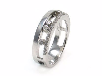 Picture of Round CZ Moving Stones Ring in Sterling Silver
